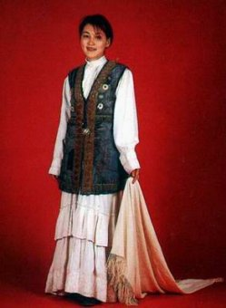 Kazakhstan people national clothes: woman's costume